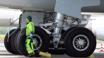 Tren-aterrizaje-Airbus-A340_TINIMA20111125_0131_5
